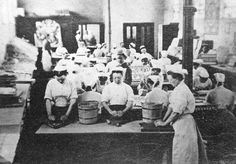 The Laundry at Pentonville Prison London Pentonville Prison was constructed in… Victorian Prison, Victorian London, Victorian Era, Pentonville Prison, Prison Inmates, Vintage Pictures, Old Pictures, Vintage Images, London History