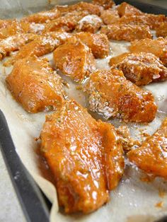 sio-smutki! Monika od kuchni: Domowe nuggetsy z piekarnika (fit) French Toast, Bacon, Kfc, Food And Drink, Menu, Chicken, Dhal, Breakfast, Amanda