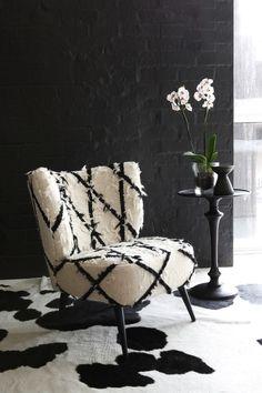 Contrasting Home Decor At Weylandts - AphroChic   Modern Global Interior Decorating