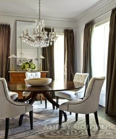 dining room table - layered, simple color and round dining table Round Dining Table, Dining Room Table, Dining Chairs, Round Tables, Dining Nook, Dining Sets, Beautiful Dining Rooms, Dining Room Inspiration, Design Inspiration