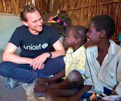 Tom Hiddleston in South Sudan as UNICEF ambassador - November 2016. Via http://maryxglz.tumblr.com/post/153836650137/tom-hiddleston-in-south-sudan-as-unicef-ambassador