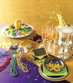 Mardi Gras tablescape with kingcake