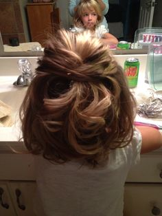 Little girls wedding hair! My niece Annabel loved her curls:-)