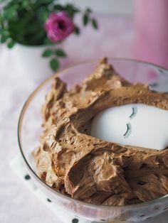 Silkinpehmeä Suklaakreemi (täyte ja kuorrutus)