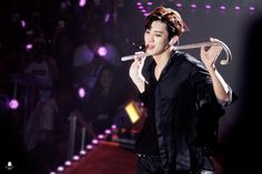 I don't think any exo-ls have wanted to be a cane before, until this performance