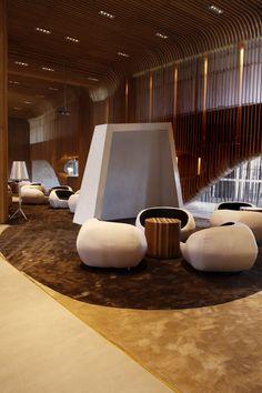 L'agence d'architecture et de design chinoise Deve Build Design a réalisée l'aménagement intérieur de ce club oriental à Huizhou en Chine.
