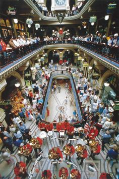 1986: The QVB celebrates its second opening after an 86 million dollar transformation. #QVB #Sydney