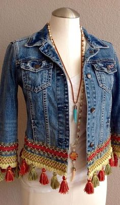 35 Wonderful Outfit Ideas Boho To Wear Right Now outfit ideas boho Bohemian Style Source by leanncarabajal Mode Hippie, Mode Boho, Altered Couture, Denim Fashion, Boho Fashion, Fashion Outfits, Fashion Sewing, Fashion Wear, Style Fashion