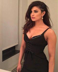 priyanka Beauty In blk Priyanka Chopra New Movie, Priyanka Chopra House, Priyanka Chopra Wedding, Actress Priyanka Chopra, Bollywood Actress, Indian Celebrities, Bollywood Celebrities, Beautiful Celebrities, Actrices Hollywood