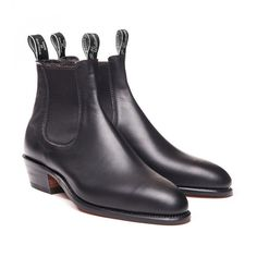These stylish boots are uniquely made in the RM Williams factory in Adelaide from one piece of leather. They feature yearling leather uppers, sewn welt leather sole construction, block heel and a narrow medium toe. This boot is crafted using a Fashion Models, Mens Fashion, Ethical Shoes, Ethical Clothing, Ethical Fashion, Rm Williams, Nails Polish, Stylish Boots, Sustainable Clothing