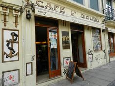 Café Piolho is one the most famous caffe in Porto. It has been the meeting point for students and teachers, locals and foreigners. Everybody knows Piolho. Douro, New City, Portuguese, The Good Place, Portugal, This Is Us, Adventure, Grande, Places