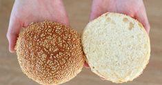 Hyvässä hampurilaisessa oleellinen asia on myös hyvä sämpylä. Nämä hampurilaissämpylät ovat täydelliset, muhkeat ja pehmoiset. ... Bread Recipes, Cheese, Food, Pizza, Essen, Bakery Recipes, Meals, Yemek, Eten