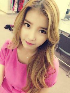 IU new light brown hair @allkpop.com @aiyugwiyeoweo (source) really pretty~~ 아이유 modern times