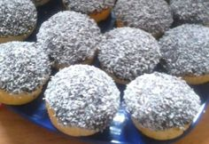 Kókuszos-pudingos meglepetés Doughnut, Hamburger, Blueberry, Muffin, Bread, Cookies, Fruit, Breakfast, Food