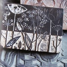 pair sgraffito and relief carving to create image like the beautiful botanical s. - pair sgraffito and relief carving to create image like the beautiful botanical stamp-angie lewin - Angie Lewin, Sgraffito, Stamp Printing, Screen Printing, Impression Textile, Stamp Carving, Wood Carving, Linoprint, Christmas Books
