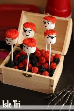 Marshmallow pirates, raspberries & blackberries are supposed to be used as treasure goodies in a chest! Pirate Birthday, Pirate Theme, Pirate Food, Pirate Baby, Birthday Party Treats, Birthday Parties, Marshmallow Pops, Party Time, Party Party