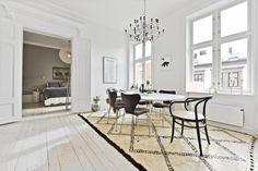 FINN – URANIENBORG - Praktfull og betydelig påkostet 5-roms leilighet m/høy standard, separat del og koselig balkong!