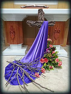 Easter Altar Decorations, Lent Decorations For Church, Christmas Decorations, Easter Flower Arrangements, Floral Arrangements, Crosses Decor, Church Flowers, Palm Sunday, Church Banners