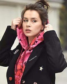 Anna Marias, Windbreaker, Beauty, Fashion, Celebs, Moda, Fashion Styles, Beauty Illustration, Fashion Illustrations