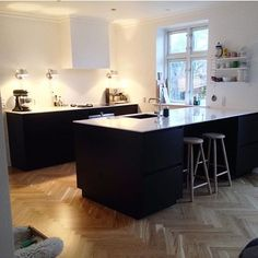 @mariamejdahl finished her new kitchen just in time for Christmas #kvik…