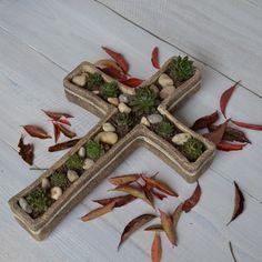 Květináč kříž k osázení keramika květináč dušičky hřbitov smutek hrob k osázení skalničky