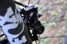 "Knolly Warden Carbon ""black star"" custom - custom bike by www.bikeinsel.com #Knolly #WardenCarbon #bikeinsel #SramEagle #Foxracingshox #Ibis Carbon Black, Black Star, Custom Bikes, Golf Bags, Stars, Custom Motorcycles, Sterne, Custom Bobber, Star"