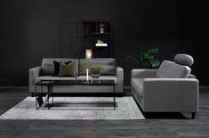 Elegant grå, sofa med svarte bein i tre. Decor, Furniture, Table, Home Decor, Coffee Table, Couch
