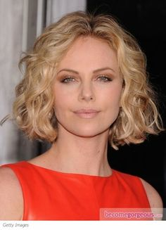 Pictures : Charlize Theron Hairstyles - Charlize Theron Wavy Bob Hairstyle