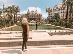 Solo female travel tips for and by women who travel alone. Find out why you need to travel around the world alone. Solo Travel, Travel Tips, Travel Around The World, Around The Worlds, National Botanical Gardens, Girls World, Guys Be Like, Travel Alone, Lightroom Presets
