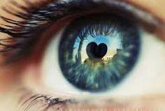 Risultati immagini per occhi azzurri bellissimi