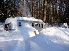 Sarah Hewitt I have been living cozily in my 1987 Airstream Sovereign for over 5 years in the White Mountains of New Hampshire. Spring, summer, fall and winter, my silver bullet keeps me dry and warm.
