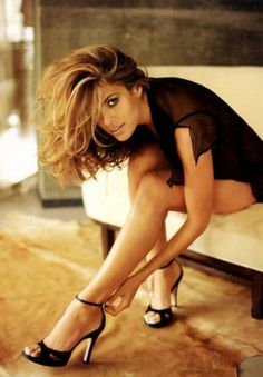 Eva Mendez... Great clothes for pre-wedding photo shoots.