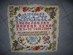 GRAND ANCIEN ABECEDAIRE signé daté 1889 clouté sur fond de son ancien cadre