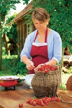 Früchte fürs Einkochen vorbereiten Gardening, Marmalade, Cute Mouse, Fruit And Veg, Lawn And Garden, Horticulture