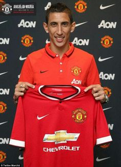 Manchester United have announced a fee has been agreed for the signing of Argentina international Angel Di Maria from Real Madrid. Di Maria Manchester United, Manchester United Transfer, Manchester United Players, Soccer Players, Football Soccer, Football Boots, Football Fever, Real Madrid, Man Utd News
