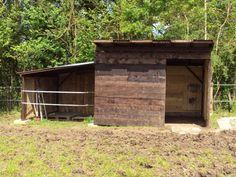 Construction d'un box + abri                                                                                                                                                      Plus