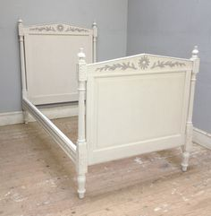 Old French bed / Circa 1900 / Painted / Frenchfinds.co.uk