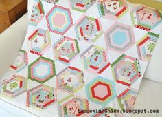 The Sewing Chick: Hexagon Quilt Tutorial Adding triangles to your Hexagons