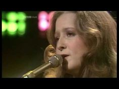 BONNIE RAITT - Love Me Like A Man (1976 O.G.W.T. UK TV Appearance) ~ HIGH QUALITY HQ ~ - YouTube