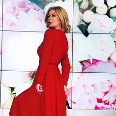 Roșu înseamnă pasiune. Roșu este culoarea iubirii și a vieții ❤❤❤@luciana_indre  www.shop.urmaboutique.ro  #urmafashion #urmaboutique… Spring Summer, Dresses With Sleeves, Long Sleeve, Instagram Posts, Sweaters, Fashion, Moda, Sleeve Dresses, Long Dress Patterns