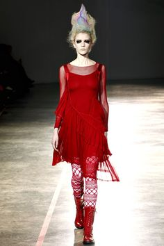 Yohji Yamamoto Autumn/Winter 2011-12 - Full length photos (Vogue.com UK)