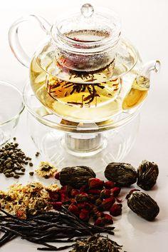 The Best Teas to Detox With:  1. Cardamom Tea  2. Dandelion Tea  3. Elderflower Tea  4. Fennel Tea  5. Lemon Balm Tea  6. Marigold Tea  7. Peppermint Tea  8. Sage Tea  9. Nettle Tea  10. Rosemary Tea