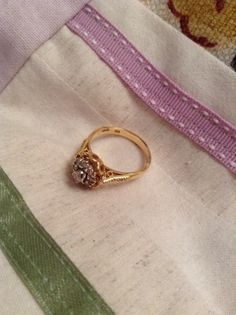18 kt gold with diamonds , dated 1945