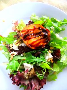 Salad with Grilled Peaches, Goat Cheese, Toasted Walnuts and Balsamic Reduction by prouditaliancook #Salad #Peaches #Balsamic_Reduction #prouditaliandook