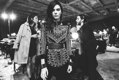 Balmain y su ejercito nos dejan nuestra colección favorita en el mes de la moda #Moda #Pasarelas #balmain #fashion_week #paris