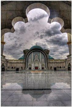Masjid Wilayah, Kuala Lumpur / The Beauty of Travel / Malaysia / Asia Kuala Lumpur, Singapore Malaysia, Malaysia Travel, George Town, Ipoh, Islamic Architecture, Beautiful Architecture, Beautiful Places To Visit, Places To See
