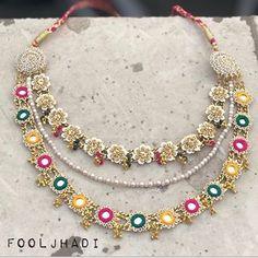 Flower Jewellery For Mehndi, Flower Jewelry, Fabric Jewelry, Handmade Jewellery, Jewelry Ideas, Jewelry Crafts, Jewelry Design, Diy Wedding Earrings, Big Earrings