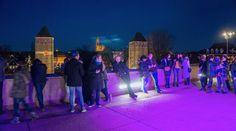 LE PONT DES SOUPIRS sur la terrasse panoramique du Barrage Vauban — On soupirera d'amour sous les étoiles en profitant d'un panorama unique sur Strasbourg. Bar éphémère, installations artistiques dont un spectaculaire miroir d'eau et propositions musicales avec la complicité de la Haute école des arts du Rhin.