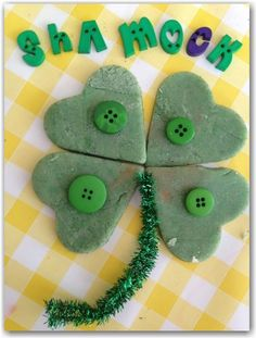 St Patrick's Day Play Dough - Here Come the Girls | Here Come the Girls