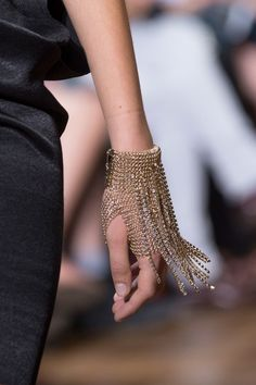 Lanvin at Paris Fashion Week Spring 2017 - Details Runway Photos statement fingerless gloves Spring Fashion Trends, Fashion Week, Runway Fashion, Trendy Fashion, High Fashion, Fashion Show, Fashion Outfits, Womens Fashion, Fashion Tips